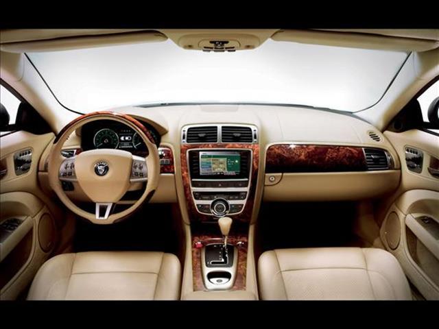 Jaguar XK: la diabolica contemporanea