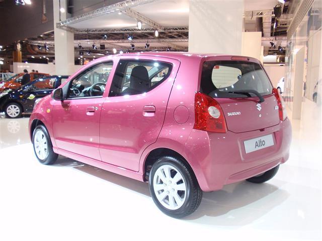 Suzuki Alto: una tondeggiante citycar