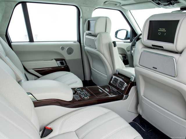 Range Rover Evoque: restyling conservativo