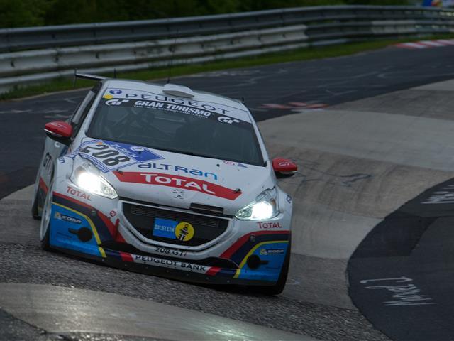 Riparte la 24 ore del Nurburgring edizione 2015
